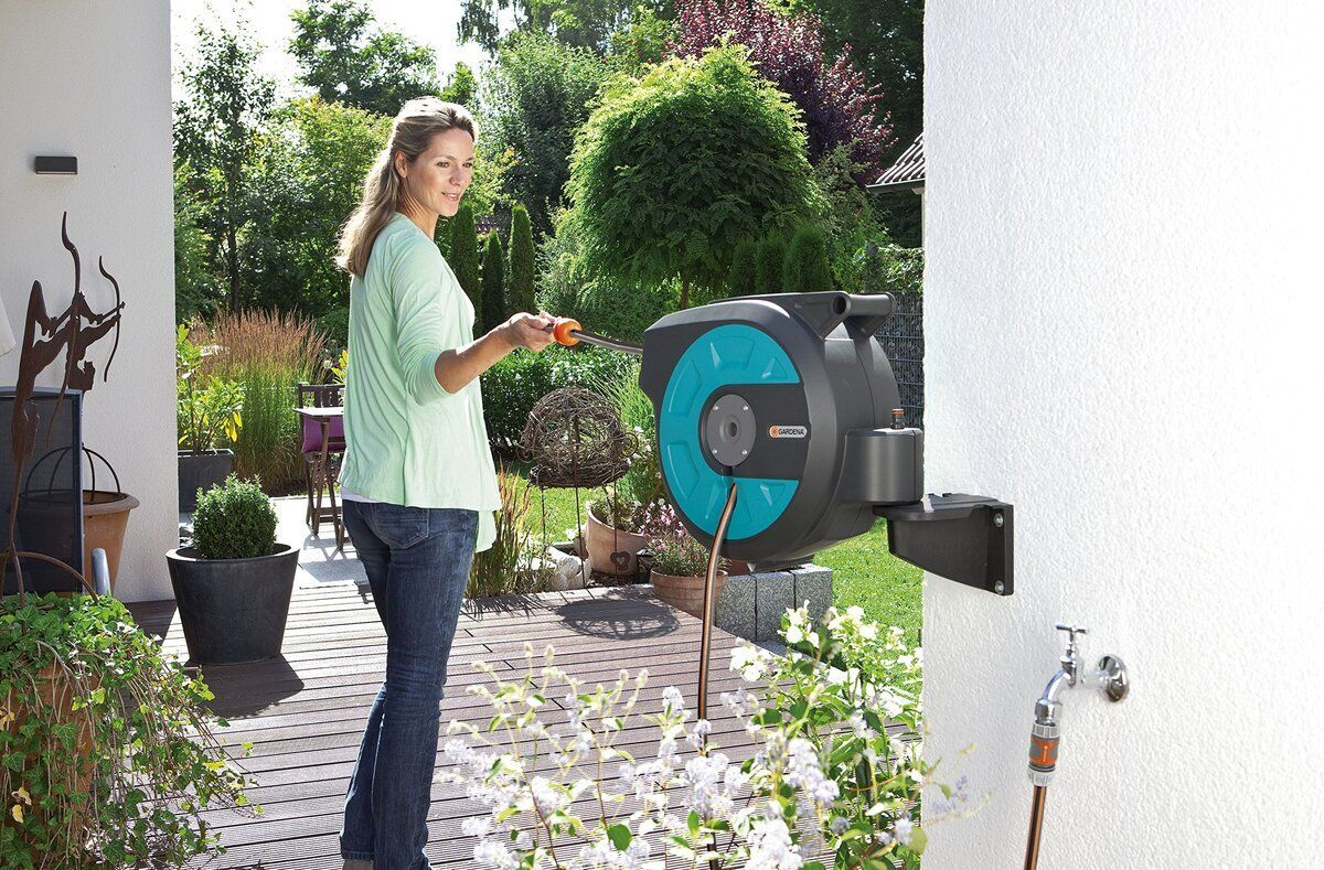 Gardena Retractable Hose Reel Review 2020