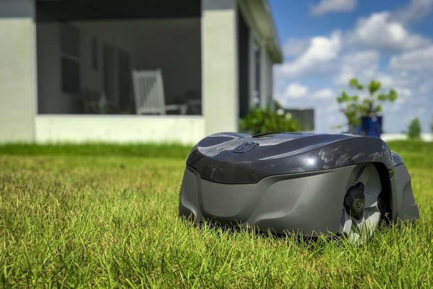 Husqvarna Automower 115H Review - Robotic mower for small to mid yards