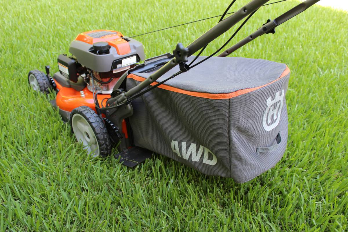 Husqvarna HU800AWDH Review