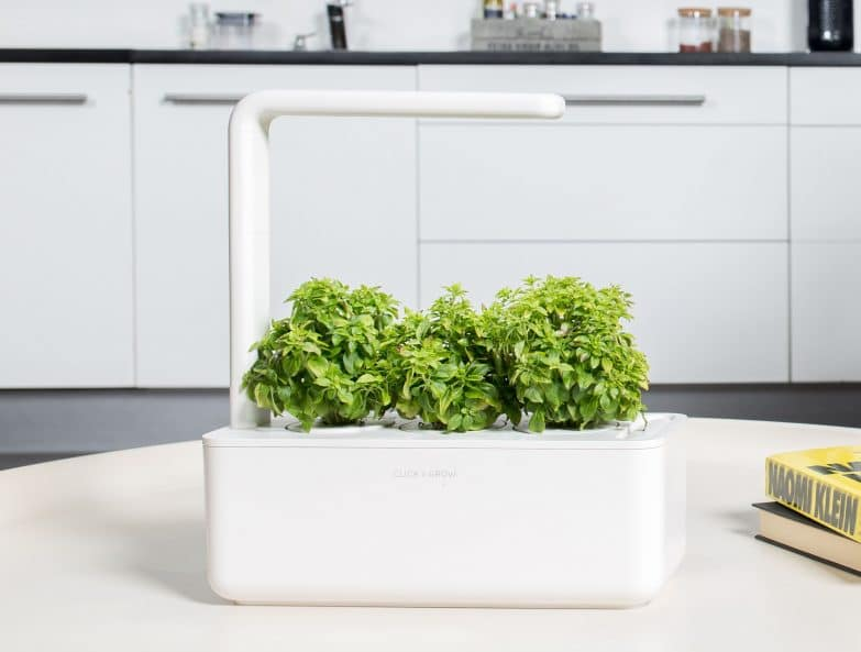 Click and Grow Smart Garden 3 Review - Veggies at home?