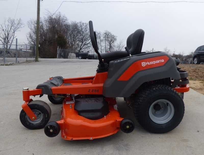 Husqvarna Z254 Zero Turn Mower Review - Does it work?